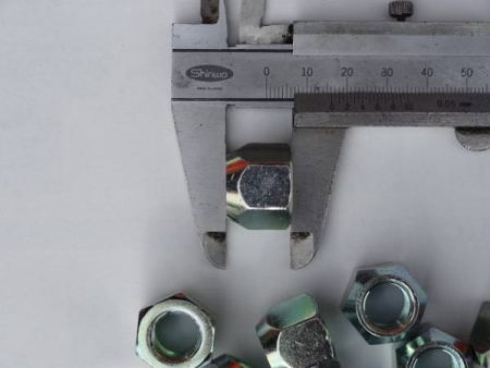 ヴィヴィオビストロ ホイールナット ノーマル 貫通 19mm P1.25